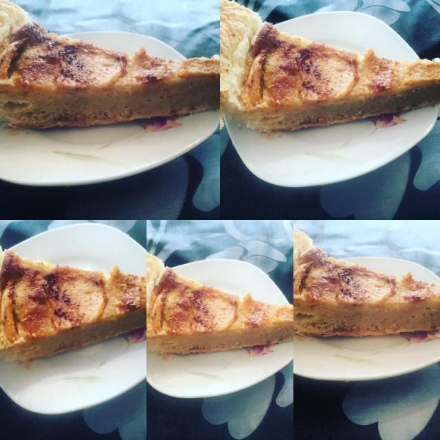 Tarta de manzana con hojaldre, leche condensada y canela